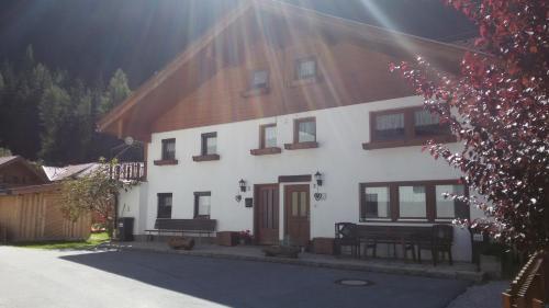 Отель Brügglers Ferienhäuser 0 звёзд Австрия