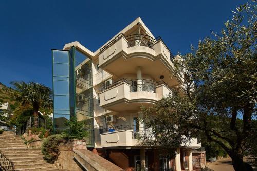 Отель Apartments Kruna 3 звезды Черногория