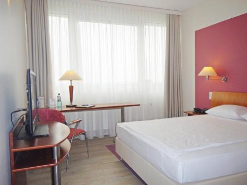 Globana Airport Hotel
