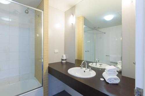 Great southern hotel melbourne melbourne for Bathrooms r us melbourne