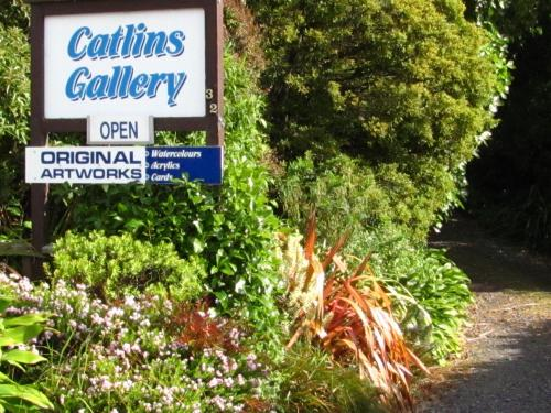 Catlins Gallery and Accommodation