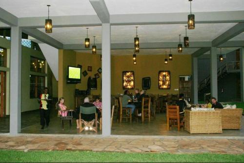 Weru Weru River Lodge Weru Weru Rentalhomes Com