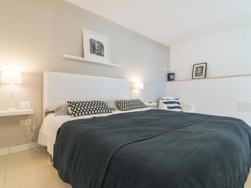 Minimal chic apartment