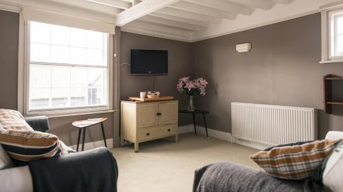 Apartment (5 Adults) - Tilling Suite The Old Borough Arms