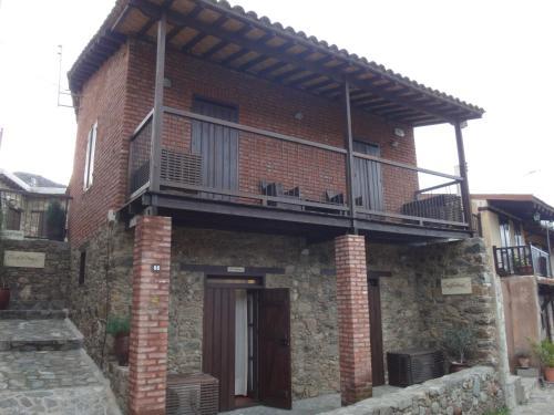 Enipnion Apartments