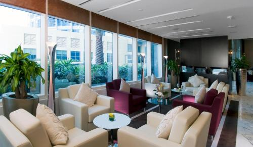 Grand Millennium Al Wahda Hotel Apartment photo 9