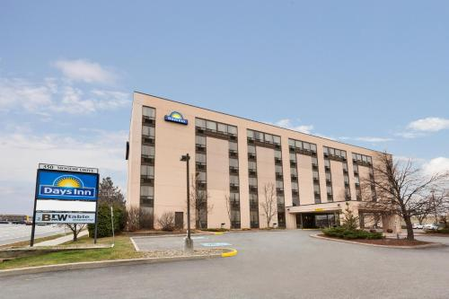 Picture of Days Inn Ottawa West