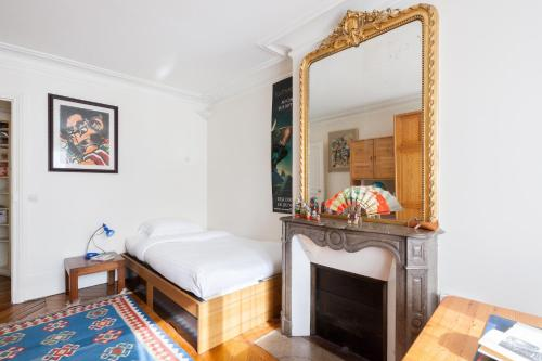 Three-Bedroom Apartment - Rue des Martyrs III
