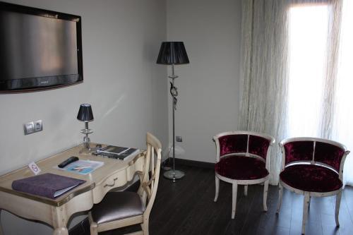 Twin Room Villa Nazules Hípica Spa 3