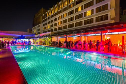 Отель NagaWorld Hotel & Entertainment Complex