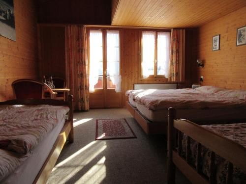 Quadruple Room with Jungfrau Mountain View