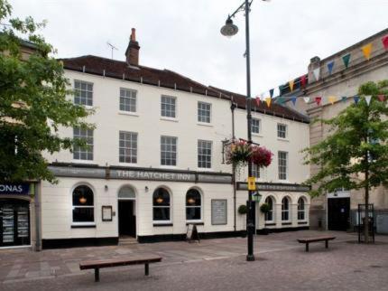 The Hatchet Inn hotel in Newbury