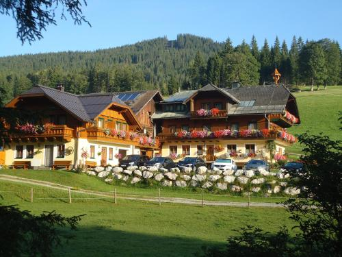 Bauernhof-Greimelbacherhof - Familienzimmer (2 Erwachsene + 2 Kinder) mit Balkon
