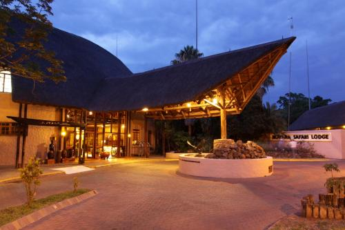 Cresta Mowana Safari Resort & Spa