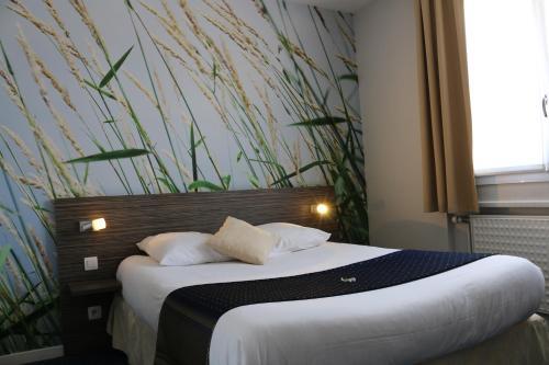 Hotel The Originals Lyon Est Dau Ly (ex Inter-Hotel)