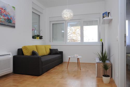 Amaros Apartment