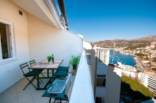 Apartment Mateos