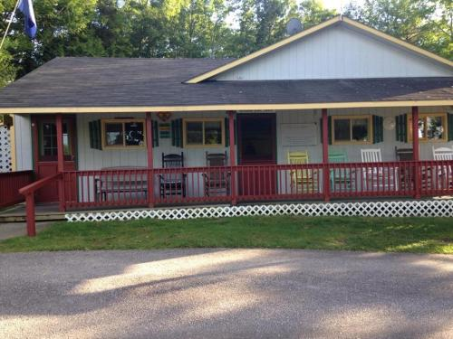 Shady Oaks Campground & Cabins