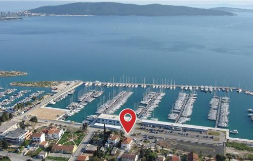 Four-Bedroom Apartment Kastel Gomilica with Sea view 03