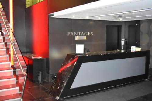 Pinnacle Suites - Pantages Tower