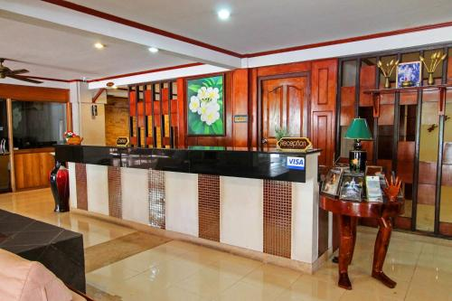 Отель Khaolak City Hotel 2 звезды Таиланд
