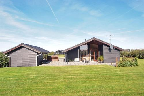 Tarm Holiday Home 393