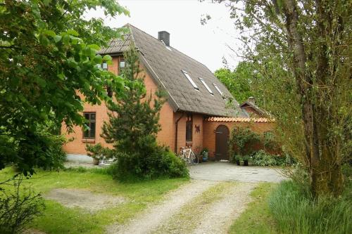 Bl�vand Holiday Home 421