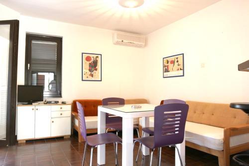 Apartment Adela 2