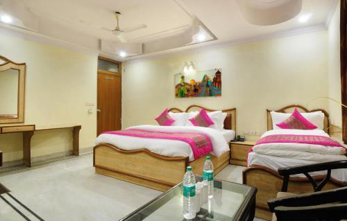 Отель Hotel De Holiday International @ New Delhi Station 3 звезды Индия