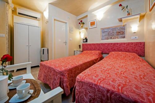 Отель Guest house Sotto I Volti 3 звезды Хорватия