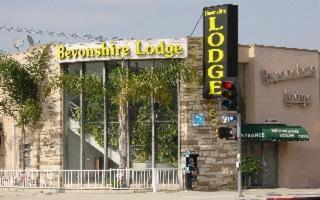 Photo of Bevonshire Lodge Motel Hotel Bed and Breakfast Accommodation in Los Angeles California