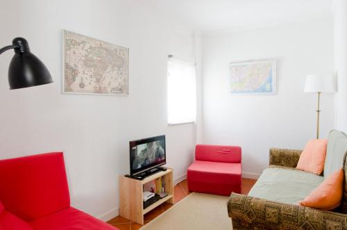 Отель Apartment with courtyard in Alfama 0 звёзд Португалия