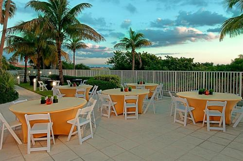 Hotels With Kitchens In Treasure Island Florida