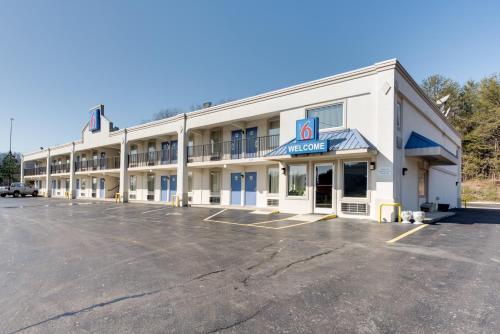 Motel 6 Kingston Image