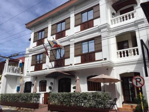 Отель West Loch Park Hotel Vigan 4 звезды Филиппины