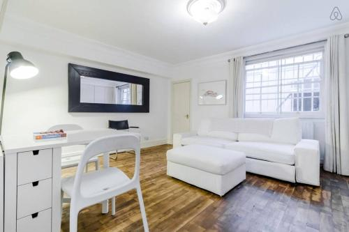 1 Bedroom Knightsbridge Apt