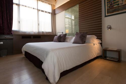 Duplex Junior Suite Hotel Museu Llegendes de Girona 10