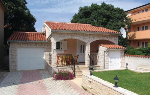 Holiday home Peroj Bb I