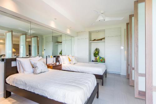 Castle Waikiki Shore Luxury Two Bedroom Apartment Honolulu Oahu Hawaii