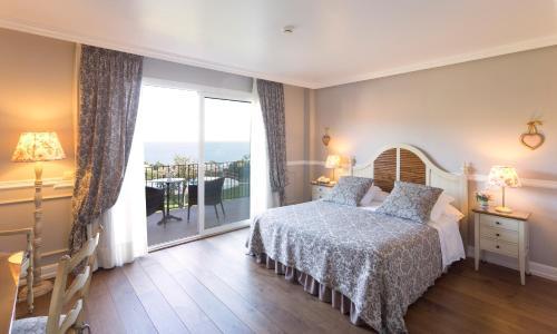 Habitación Doble Superior con vistas al mar Hotel BlauMar Llafranch 5