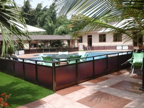 City Escape Hotel, Prampram