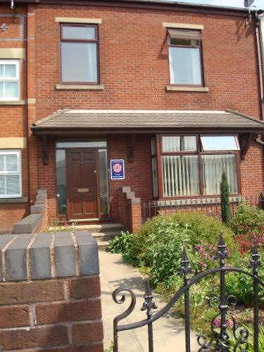 Highgrove Guest House,Bolton