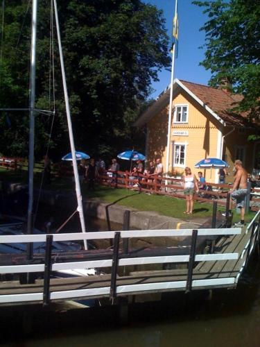 Hajstorp Slusscafé & Vandrarhem front view