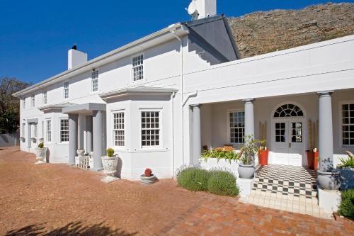 Capeblue Manor House (B&B)