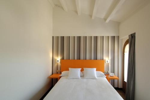 Single Room Hotel Cienbalcones 2