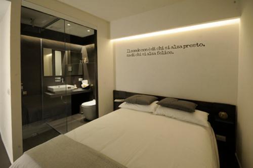 Отель Emilia Suite Design 0 звёзд Италия