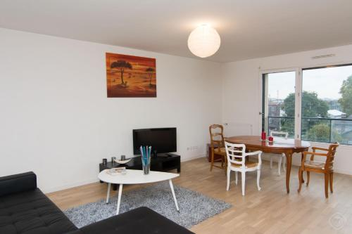 Spacious Trocadero Apartment