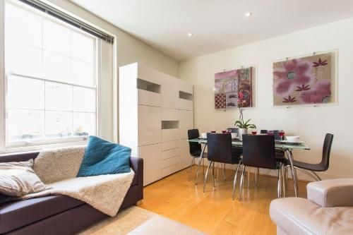 Churton Street Apartment
