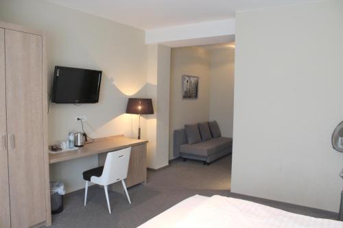 Metropol-Rooms photo 30