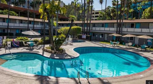 Kings Inn - San Diego CA, 92108